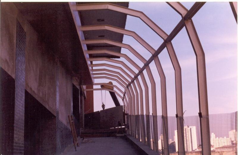 Estrutura metálica passarela